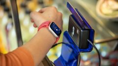 Pay with your watch: TOP-6 wearable payment devices