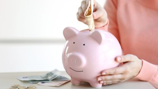 Recent grads give themselves a 'C minus' in personal finance – survey