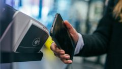 African merchants can accept contactless payments using smartphones