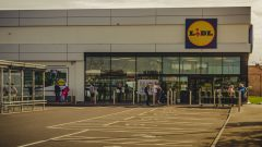 UK supermarkets allow collecting online orders from other retailers