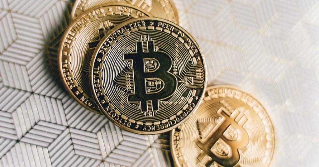 hot vs cols crypto wallets