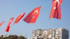 Bitcoin price falls after Turkey bans crypto
