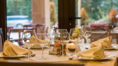 How technology is disrupting the restaurant industry